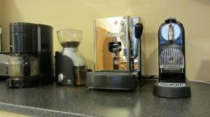 Kaffetrakter, kaffekvern, putekaffe og kaffekapselmaskin